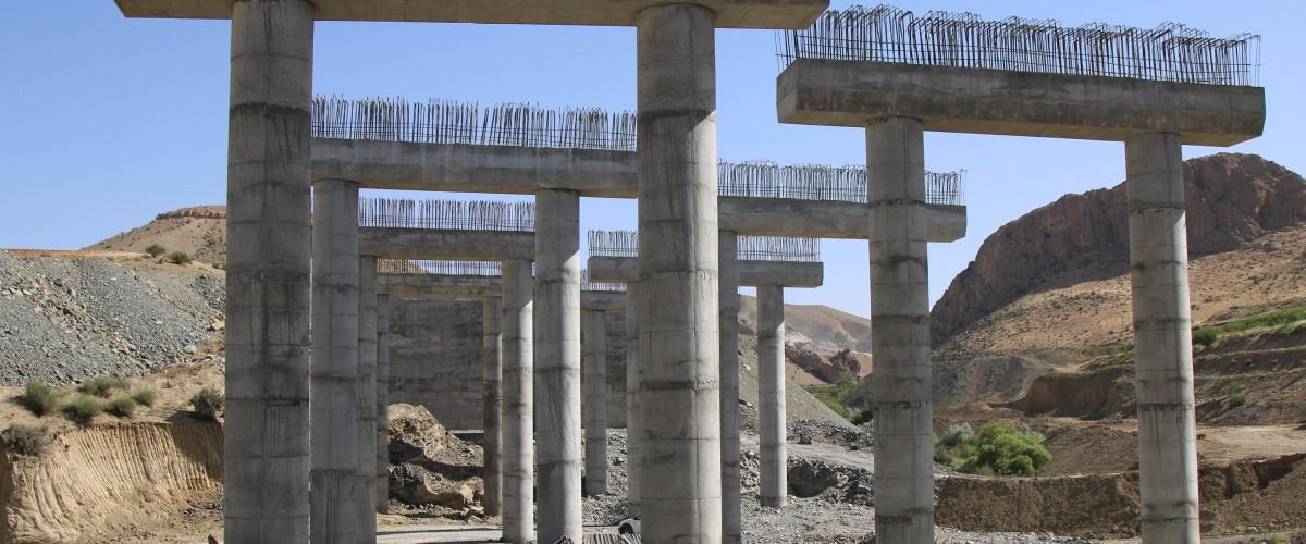 آزادراه اصفهان - شیراز